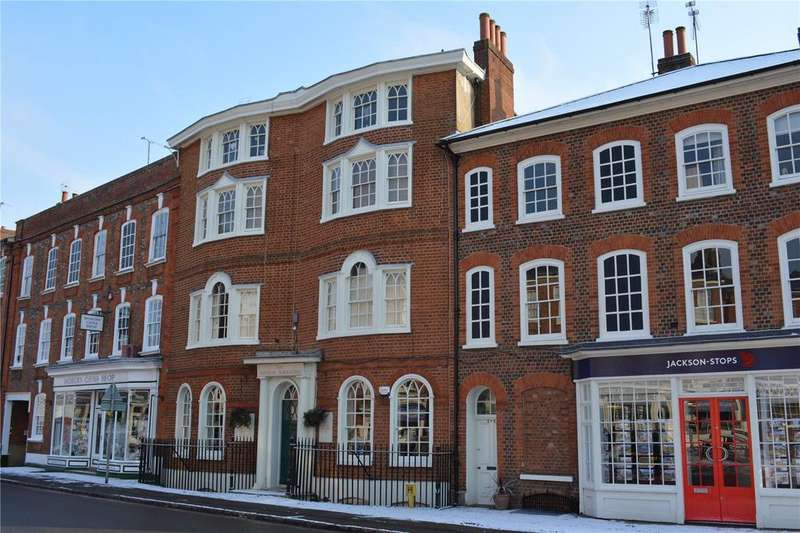 2 Bedrooms Apartment Flat for rent in Market Place, Woburn, Milton Keynes, Bedfordshire, MK17