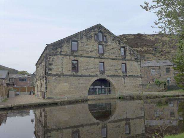 2 Bedrooms Apartment Flat for rent in Bacup Road Todmorden
