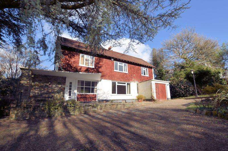 4 Bedrooms Detached House for sale in In need of some updating in prestigious Tavistock location