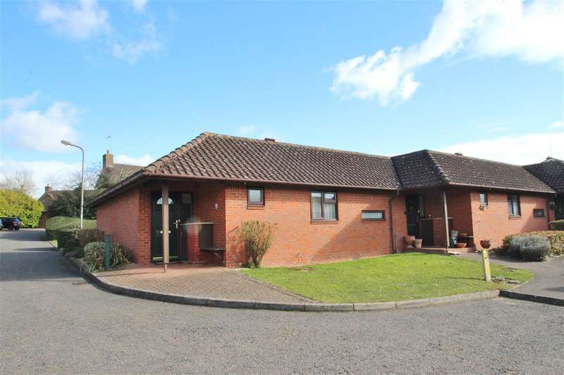 2 Bedrooms Bungalow for sale in McKenzie Close, Buckingham