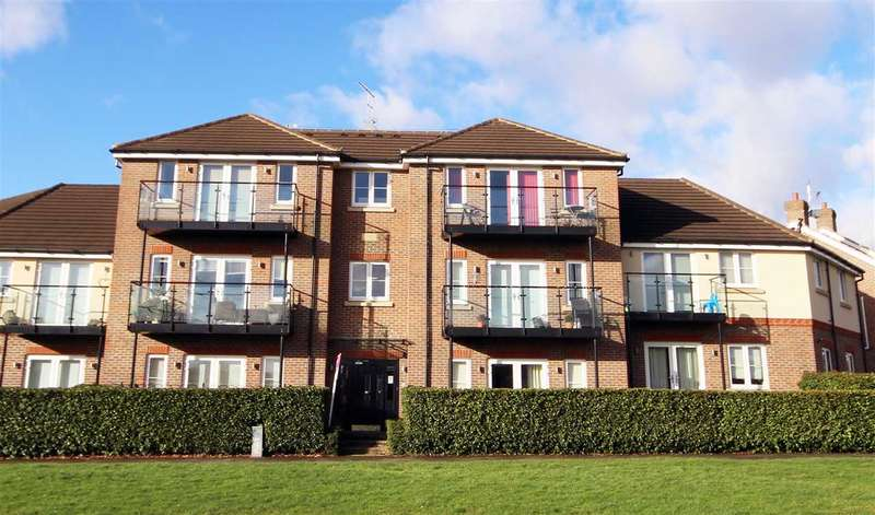 2 Bedrooms Flat for rent in Otter Place, North Bushey, WD23.