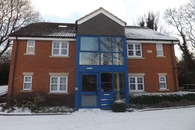 2 Bedrooms Flat for sale in Mandrell Close, Dunstable, LU5