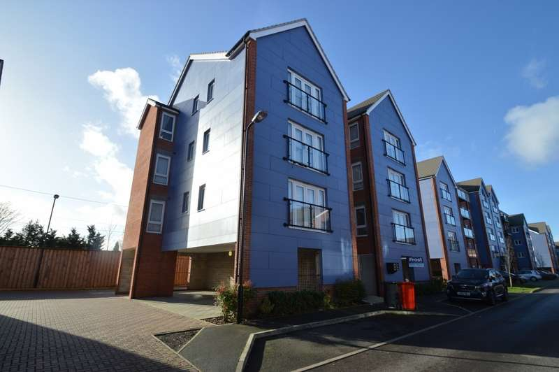 2 Bedrooms Flat for sale in Chadwick Road, Langley, SL3