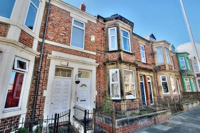 3 Bedrooms Maisonette Flat for sale in Brinkburn Avenue, Gateshead, NE8 4JX