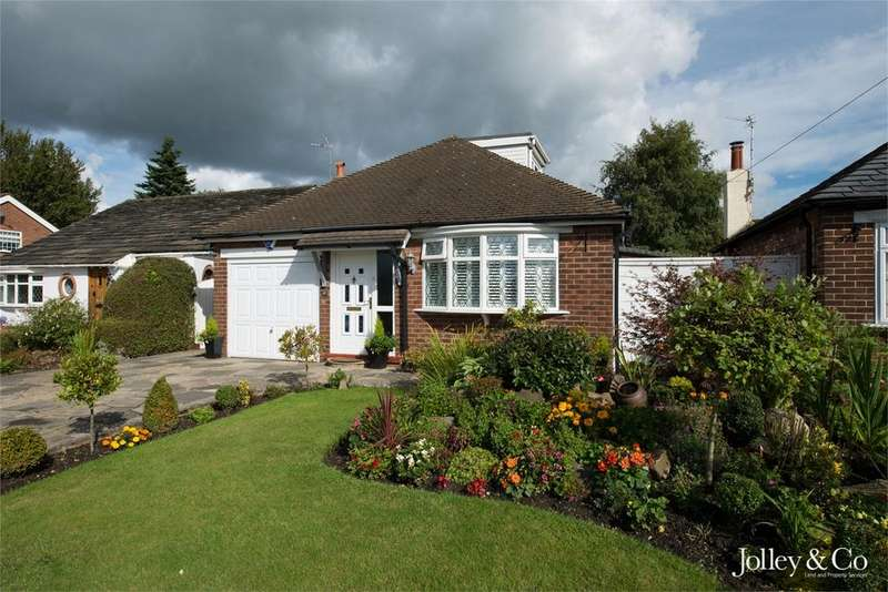 3 Bedrooms Detached Bungalow for sale in 17 Alderdale Drive, High Lane, STOCKPORT, Cheshire