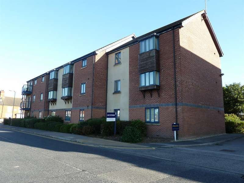 2 Bedrooms Flat for sale in Stanley Avenue, Mablethorpe,