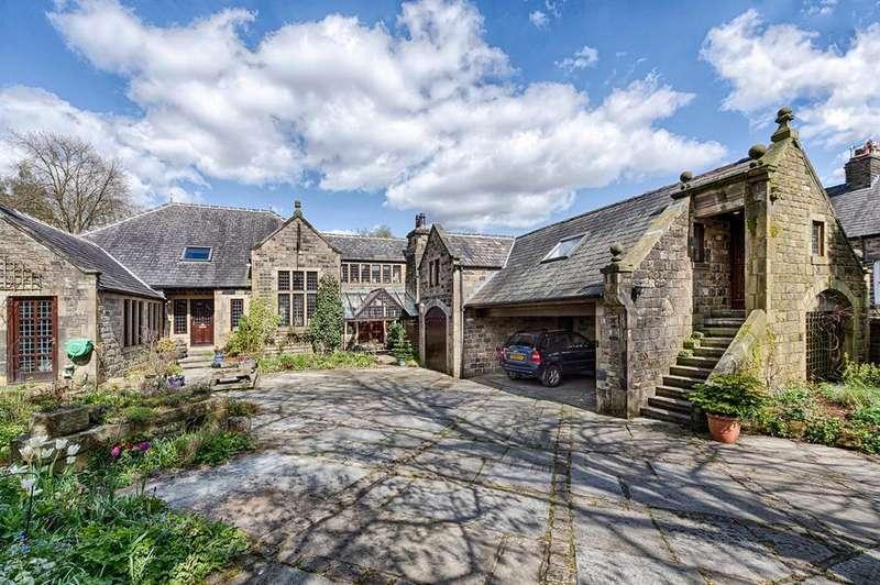 5 Bedrooms Detached House for sale in Moordale Paddock, Huddersfield Road, Diggle, OL3 5NT