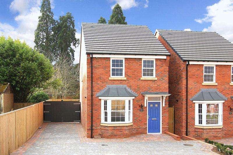 3 Bedrooms Detached House for sale in NEWBRIDGE, Nuevo Court Off Newbridge Crescent