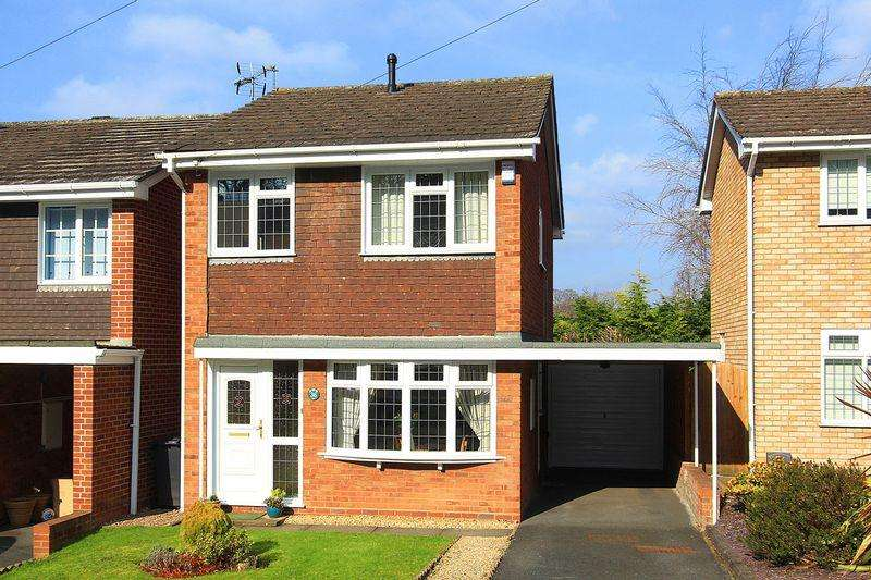 3 Bedrooms Detached House for sale in WOMBOURNE, Redcliffe Drive