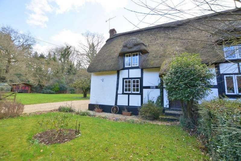 3 Bedrooms Cottage House for sale in Hangersley, Ringwood