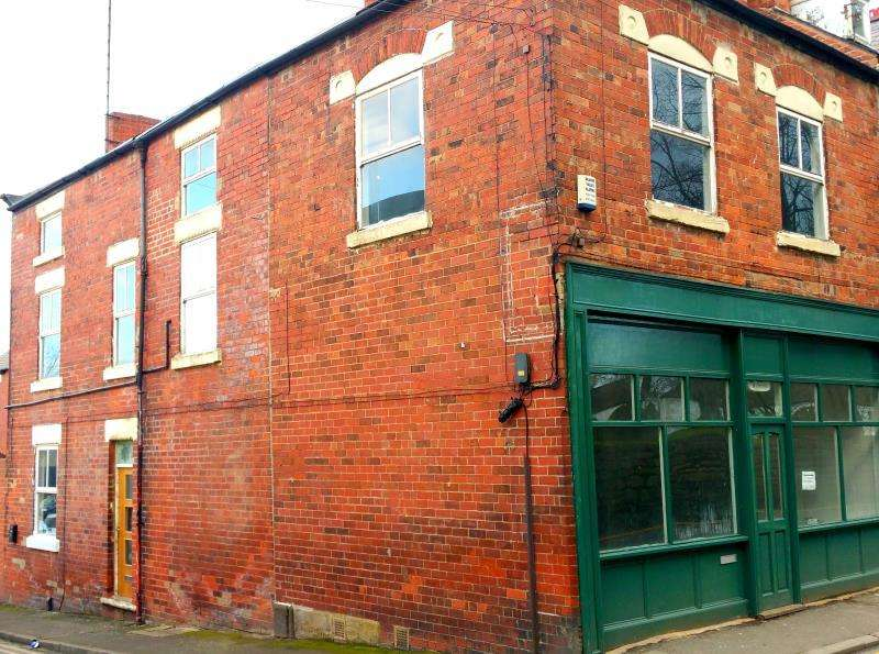 2 Bedrooms Flat for rent in Church Lane, Conisbrough, Doncaster, Dn12