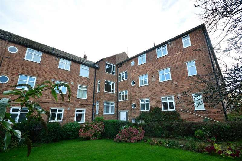 2 Bedrooms Flat for sale in Cleveland Avenue, Scarborough, YO12 6DB