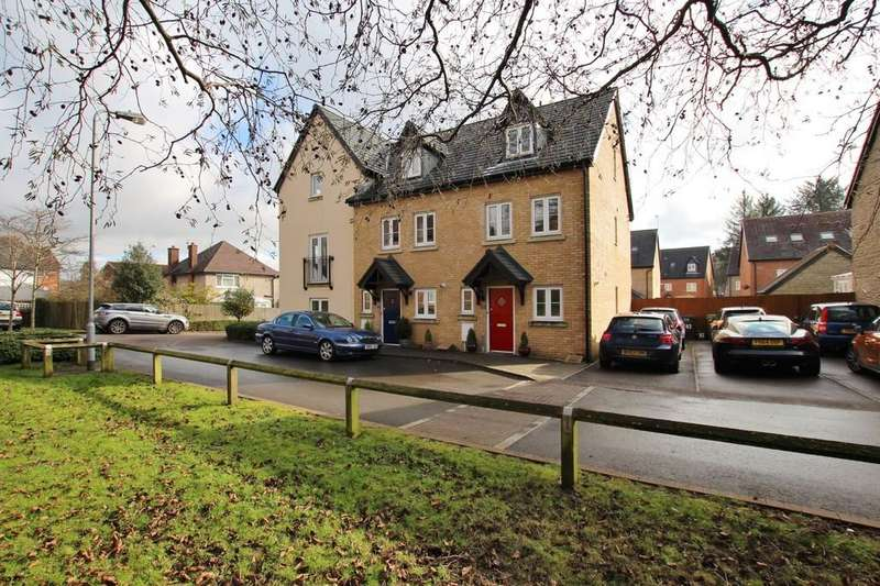 3 Bedrooms Town House for sale in Whitworth Square, Whitchurch, Cardiff
