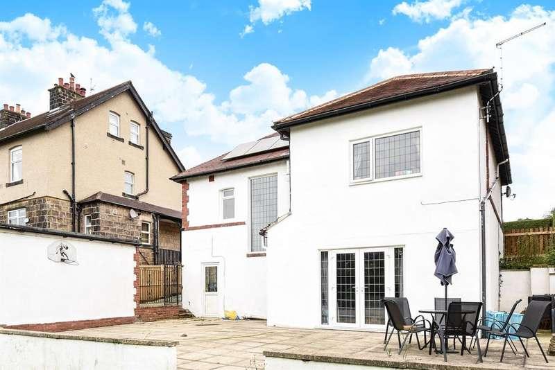 5 Bedrooms Detached House for sale in Rufford Avenue, Yeadon, Leeds, LS19 7QR
