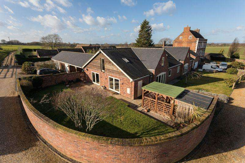 5 Bedrooms Equestrian Facility Character Property for sale in Tabley House, Hatherton, Nantwich