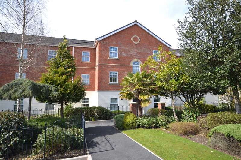2 Bedrooms Apartment Flat for sale in Maple House, Denham Wood Close, Chorley