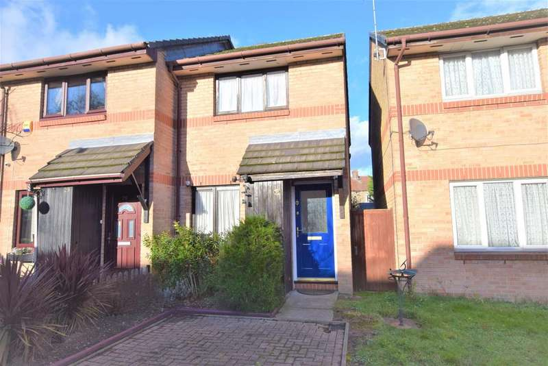 2 Bedrooms Terraced House for sale in Torbitt Way, Ilford, IG2 7TA