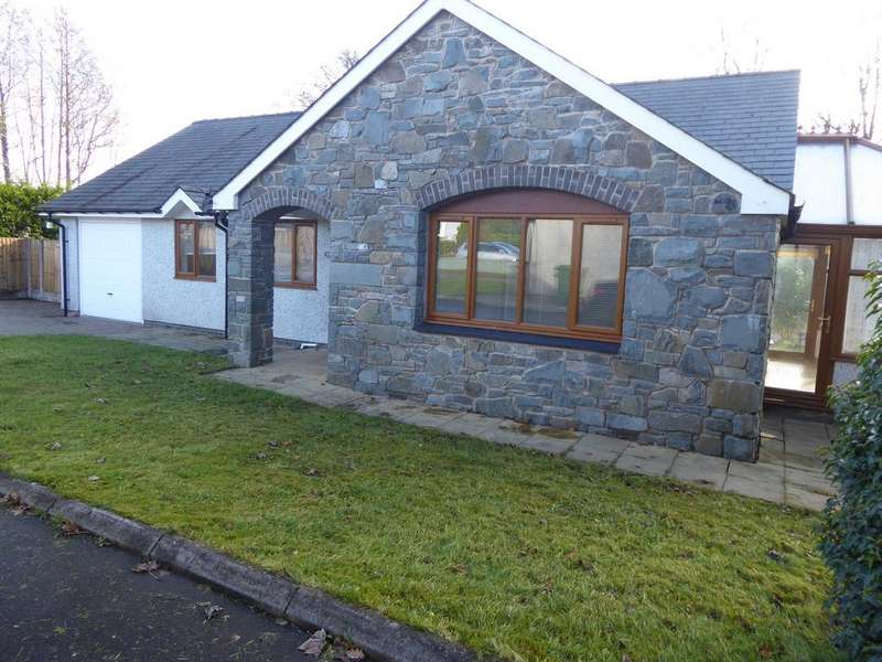 3 Bedrooms Detached Bungalow for sale in FRONGOCH, BALA LL23