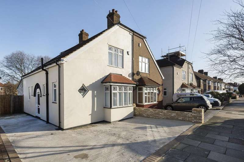 3 Bedrooms Semi Detached House for sale in Cradley Road, Eltham, London, SE9 2HD