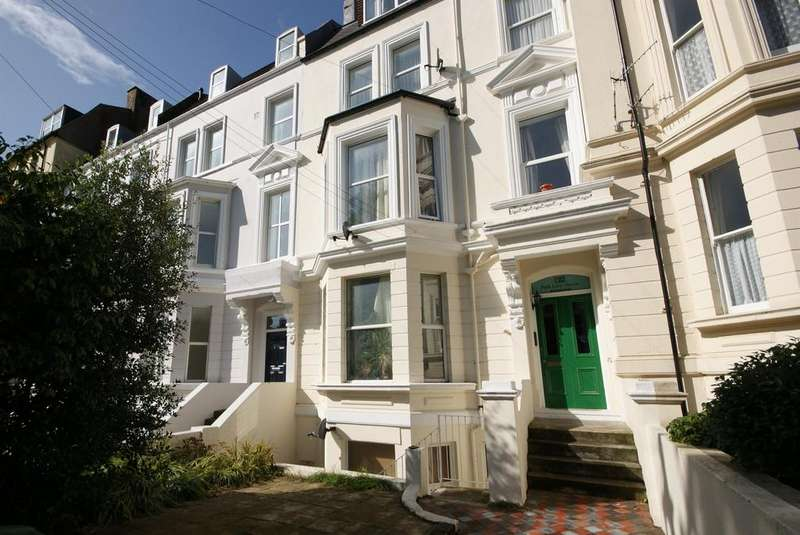 1 Bedroom Flat for sale in Charles Road, St Leonards On Sea, East Sussex, TN38 0QA