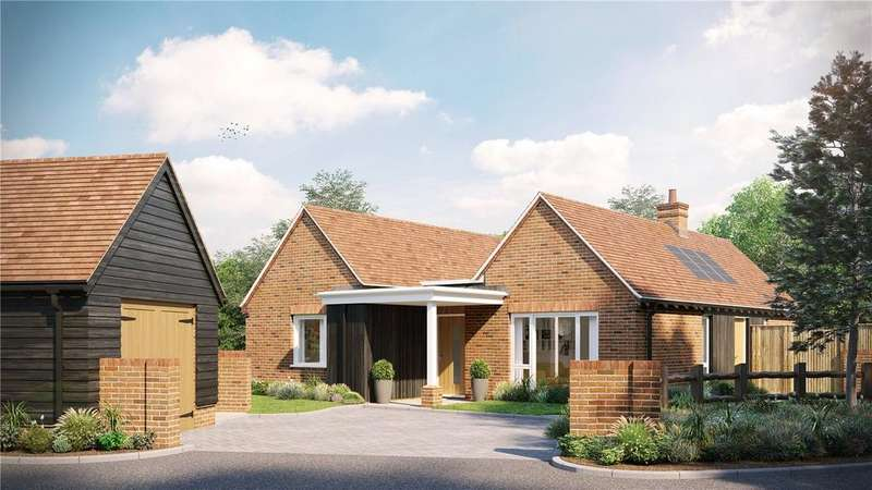 3 Bedrooms Detached Bungalow for sale in The Maltings At Millers Brook, Farnham Road, Sheet, Petersfield
