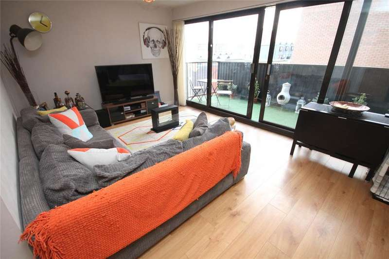 2 Bedrooms Flat for sale in Avro House, Navigation Street, Manchester, Greater Manchester, M4
