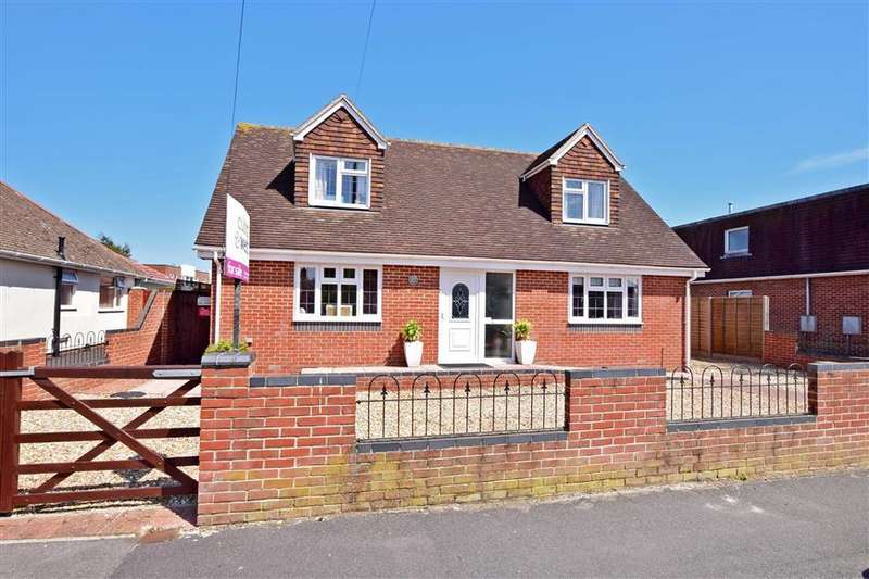 4 Bedrooms Detached Bungalow for sale in Marshall Road, Hayling Island, Hampshire