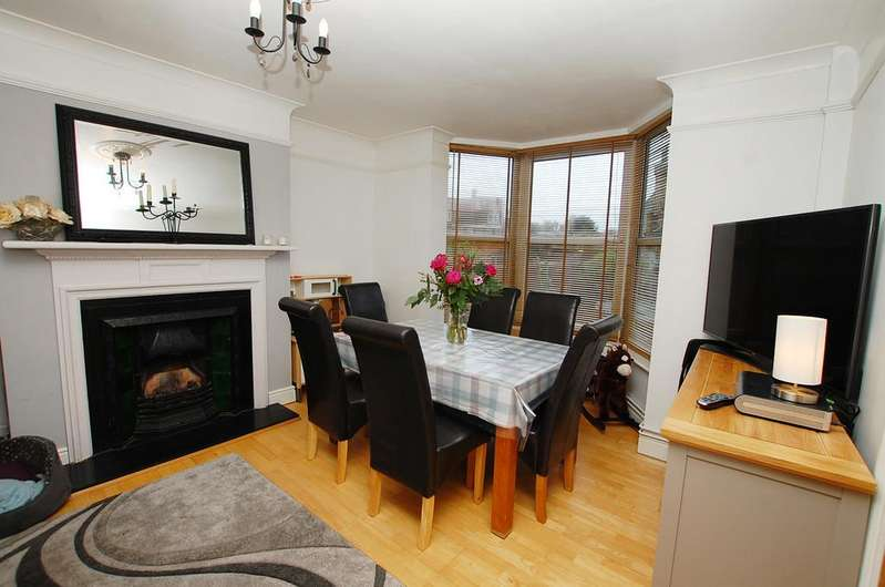 4 Bedrooms Terraced House for sale in Cromer Road, Mundesley