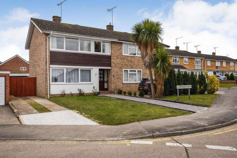 3 Bedrooms Semi Detached House for sale in Champions Way, South Woodham Ferrers