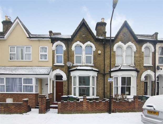 2 Bedrooms Flat for sale in Hazelwood Road, Walthamstow, London