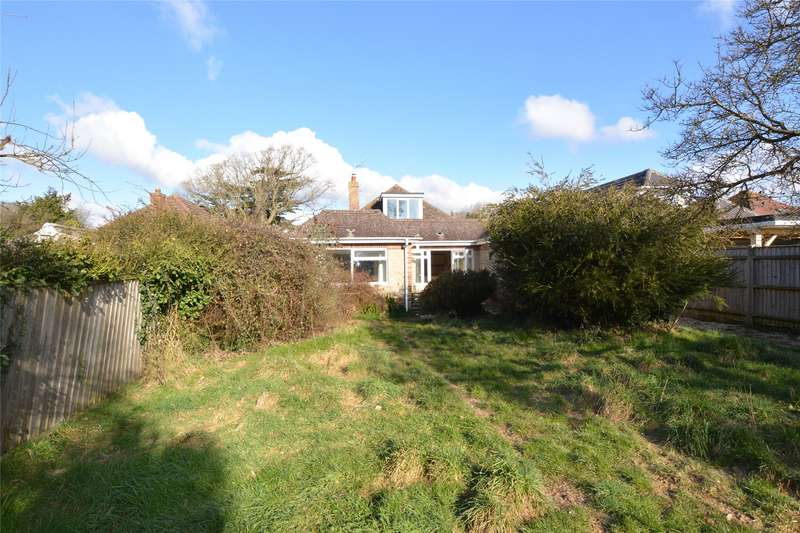 4 Bedrooms Detached House for sale in Greenmead Avenue, Everton, Lymington, Hampshire, SO41