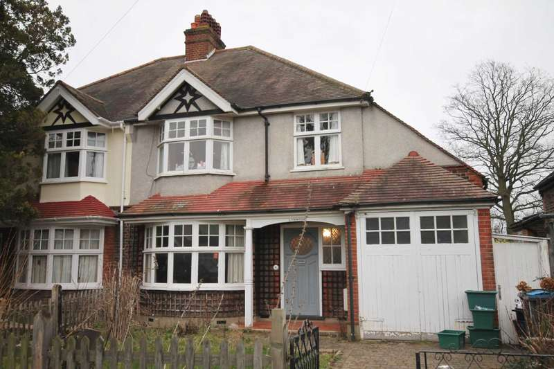 3 Bedrooms Semi Detached House for sale in Rosebery Avenue, New Malden