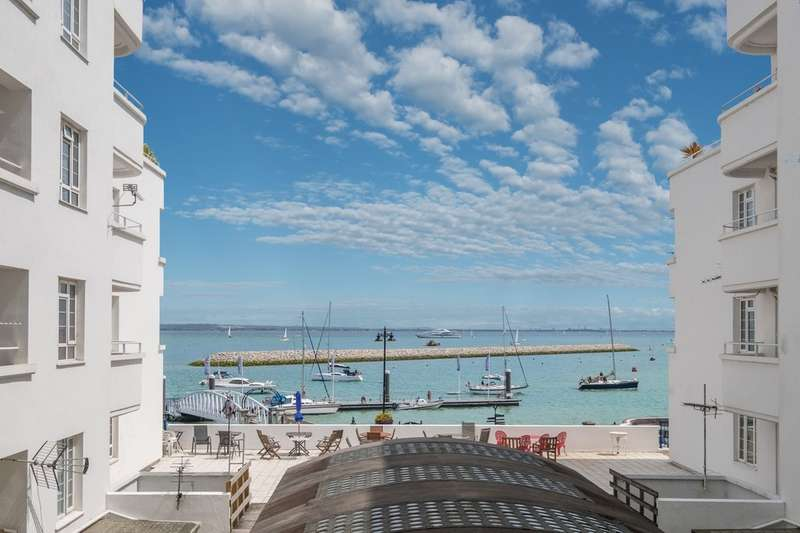 4 Bedrooms Flat for sale in Cowes, Isle Of Wight