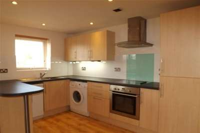 2 Bedrooms Maisonette Flat for rent in Sunderlands Avenue, Sawston