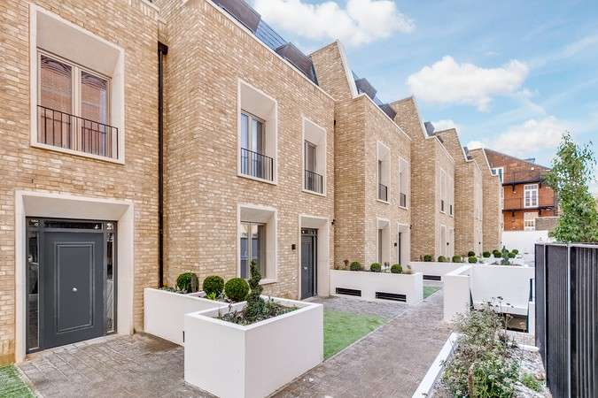 4 Bedrooms Terraced House for sale in Wedgewood Villas, Chiswick