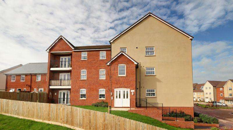 2 Bedrooms Ground Flat for sale in Harris Place, Exeter