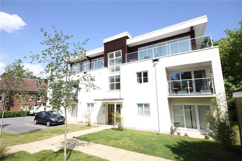 2 Bedrooms Flat for sale in Snowdon Road, Westbourne, Bournemouth, Dorset, BH4