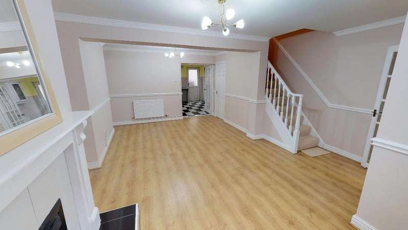 3 Bedrooms Terraced House for sale in Cardiff Road, Merthyr Vale, CF48 4RX
