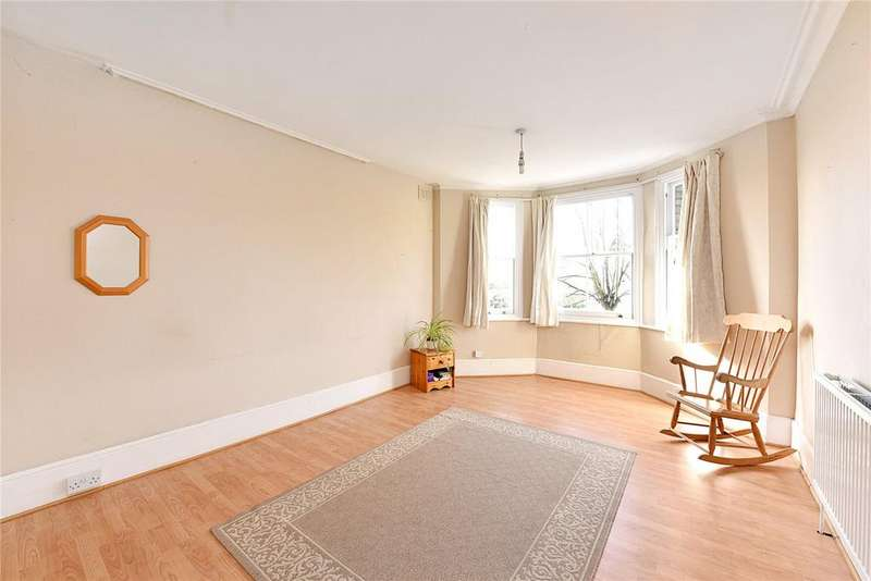 3 Bedrooms Flat for sale in Hervey Road, London