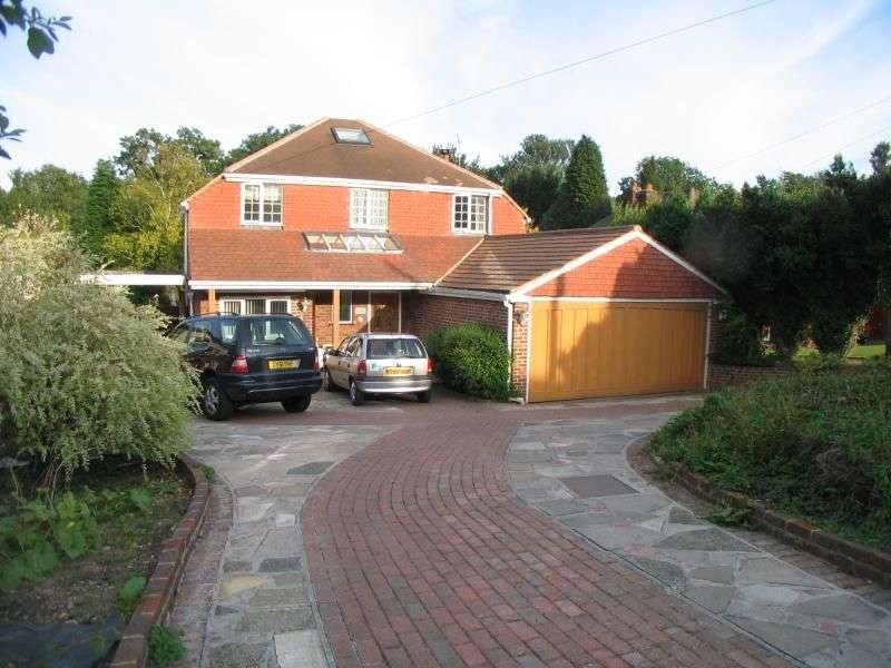 6 Bedrooms Detached House for rent in Julian Road, Orpington, BR6
