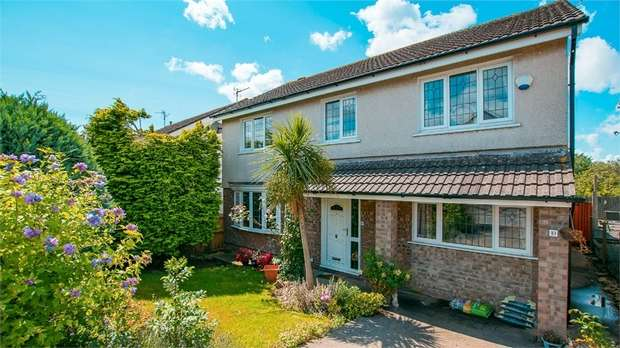 4 Bedrooms Detached House for sale in Glastonbury Road, Sully, Penarth, South Glamorgan