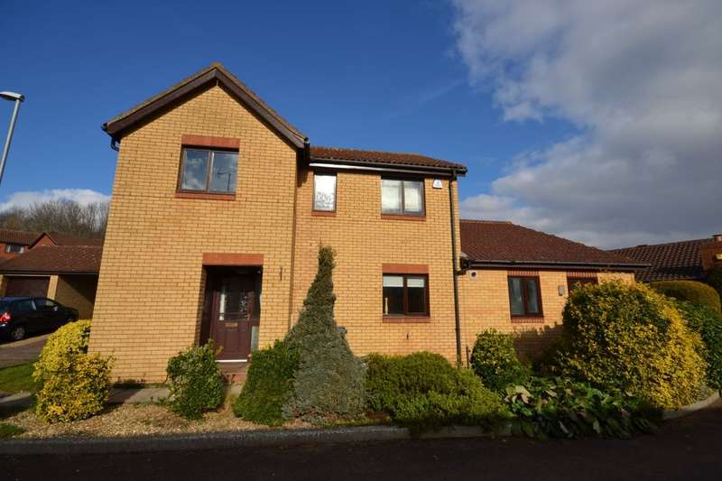 4 Bedrooms Detached House for sale in The Hayride, Grangewood, Northampton, NN4