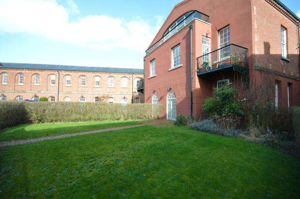 2 Bedrooms Flat for sale in The Orangery, Exminster, Exeter, Devon