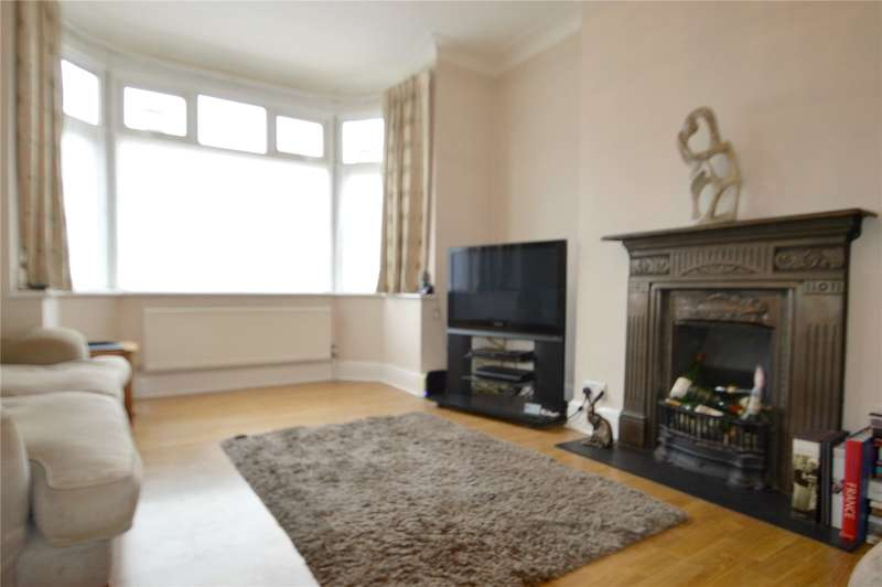 3 Bedrooms Terraced House for sale in Sissinghurst Road, Croydon