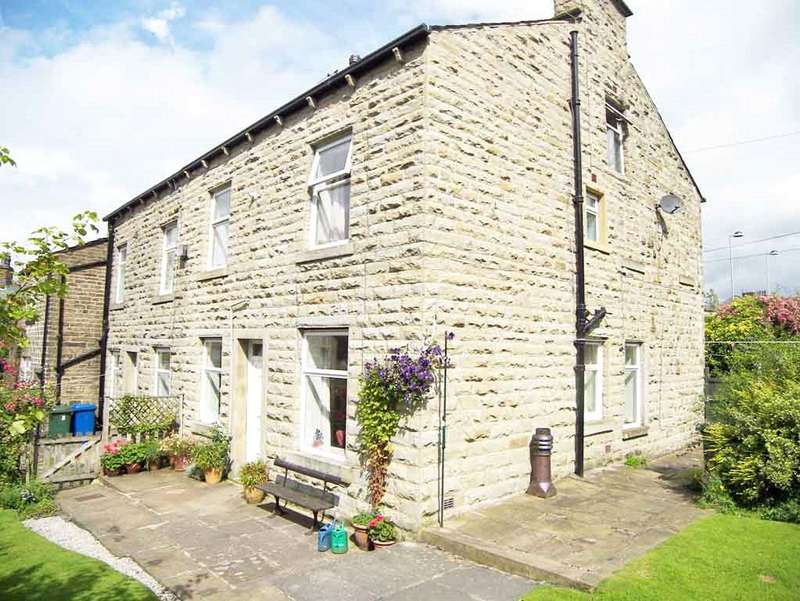 3 Bedrooms Terraced House for sale in Ivy Cottages, Waterfoot, Rossendale, Lancashire, BB4