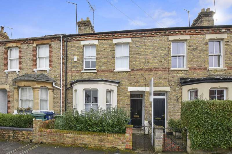 3 Bedrooms Terraced House for sale in Edith Road, Grandpont