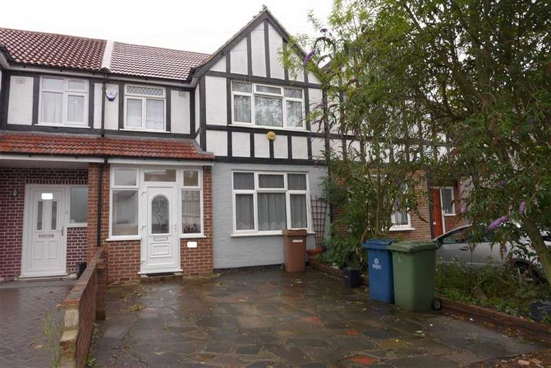 3 Bedrooms Terraced House for sale in Fisher Road, Harrow Weald, Middlesex