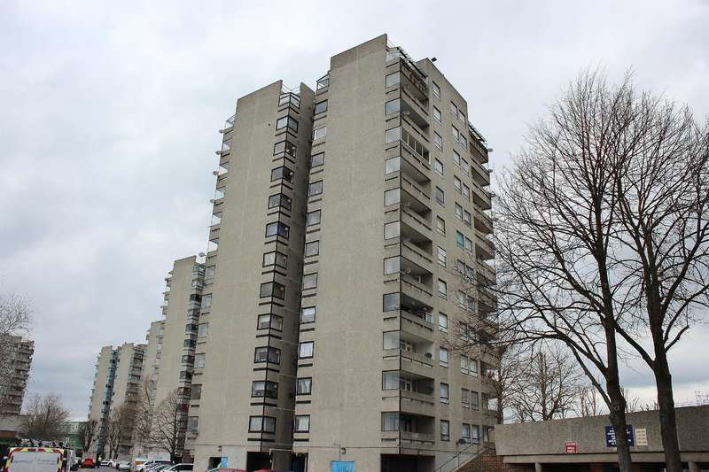 1 Bedroom Flat for sale in Timothy House, Erith, DA18 4BQ