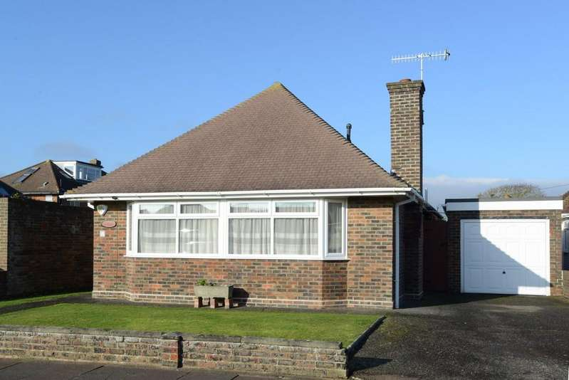 3 Bedrooms Detached Bungalow for sale in Patricia Close, Goring-by-sea BN12 4NF