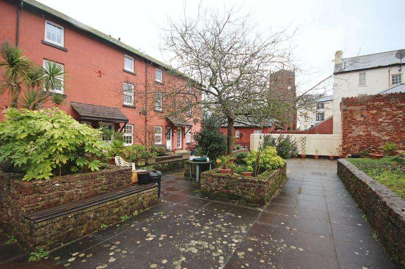 2 Bedrooms End Of Terrace House for rent in Off Well St, Paignton, TQ3 3AW